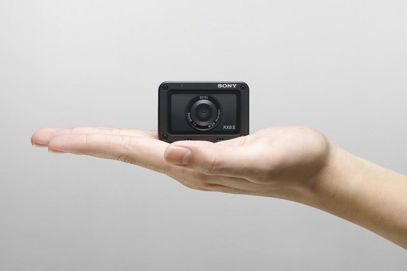 RX02_fotocamera-Sony