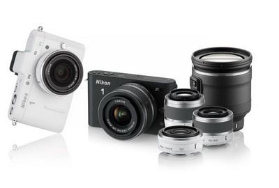 Nikon 1: Nikon 1 J1 e Nikon 1 V1, con obiettivi